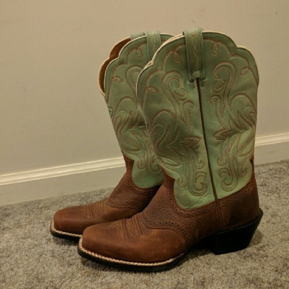 Ariat Shoes - Ariat Turquoise and Brown Boots